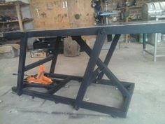 Lift table already finish! Motorcycle Lift Table, Bike Lift, Motorcycle Shop, Metal Projects, Welding Projects, Furniture Projects, Welding Table, Router Table, Homemade Motorcycle