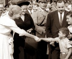 Eva Perón SIGLO XX Couple Photos, Couples, Pictures, Rainbows, Argentina, Eva Peron, Theater, Couple Shots, Photos