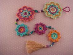 Flower Power Blumenkette von Sabine´s Finest auf DaWanda.com