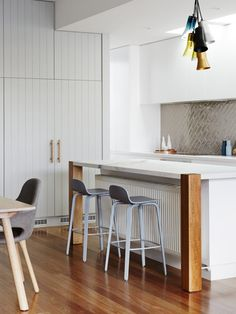 Natalie Doherty and Grant Edhouse - The Design Files Kitchen Radiator, Kitchen Cupboards, Kitchen Interior, New Kitchen, Kitchen Reno, Kitchen Cabinet Inspiration, Linen Cupboard, Timber Panelling, Sustainable Furniture