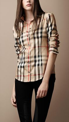 I think I'll save money everytime I lose a pound, so when I've finally reached me goal weight, I can reward myself with something Burberry. Camisa Burberry, Burberry Shirt Women, Burberry Print, Burberry Scarf, Burberry Handbags, Burberry Bags, Burberry Outlet, Cheap Burberry, Burberry Classic
