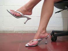 Wedge Flip Flops, Flip Flop Shoes, Stiletto Heels, High Heels, Pretty Heels, Sexy Sandals, Sexy Legs And Heels, Female Feet, Anne Hathaway