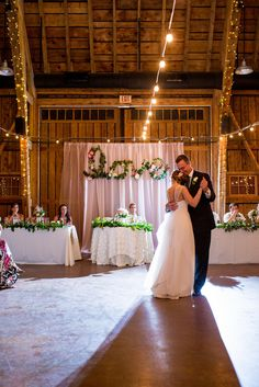 Spring Barn Wedding - Bethaney Photography. Click http://www.confettidaydreams.com/romantic-spring-barn-wedding/