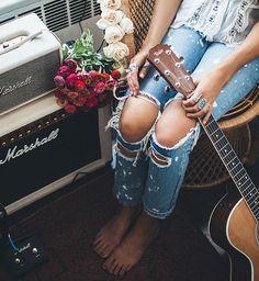Tessa Barton: NYC Apartment & Giveaway Jam Space