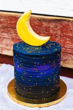 galaxy wedding cake with moon topper cake decorating recipes kuchen kindergeburtstag cakes ideas Cake Decorating Designs, Creative Cake Decorating, Creative Cakes, Cake Designs, Pretty Cakes, Cute Cakes, Beautiful Cakes, Amazing Cakes, Bolo Lego