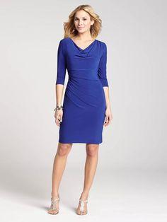 """@ Laura Petites : pour femmes de 5' 4"""" et moins. Classique et chic, cette magnifique robe apporte une élégante mise à jour à votre look de jour."""