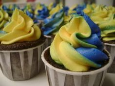 ffa cupcakes - in the spirit of the Texas FFA Convention this week!:)