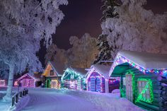 definitely looking forward to the delightful strolls through Pioneer Park here in Fairbanks this winter - admiring all the pretty lights, decorations and shops along the way.