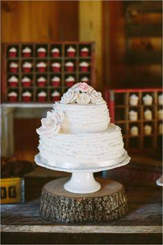 pretty little wedding cake