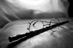 Harry Potter's glasses, Hermione's wand