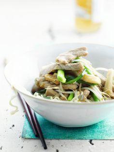 Oosterse wok van varkensvlees http://www.njam.tv/recepten/oosterse-wok-van-varkensvlees