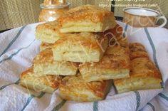 Rakott palacsinta Panna Cotta, French Toast, Cupcake, Food And Drink, Cheese, Baking, Eat, Breakfast, Ethnic Recipes