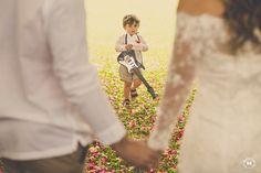 Pajem guitarrista!  #pajem #casamento E quando o noivo não sabia que era seu casamento? Clube Noivas Foto: Mansano Fotografia