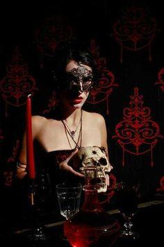 #goth #skull #mask #macabre #dark #glamor #DarkGlamour #HauteGoth