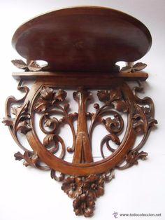 Estantería modernista madera tallada, finales XIX
