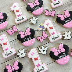 2 or 4 dozen Minnie mouse birthday sugar cookies . Minnie Mouse Cupcake Toppers, Minnie Mouse Birthday Cakes, Mickey Mouse Baby Shower, Minnie Mouse Cake, Mickey Birthday, 2nd Birthday, Mickey Cakes, Cake Table Birthday, 1st Birthday Cake Topper
