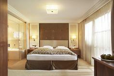 Zimmer im Luxushotel in Ischgl #Hotel #Urlaub #Ischgl #Reisen #Wellness #Gourmet #Kulinarium