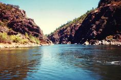 Grants Pass, Oregon Vacation Pictures ~ Rogue River Trips ~ Jet Boat Rides ~ Hellgate Canyon