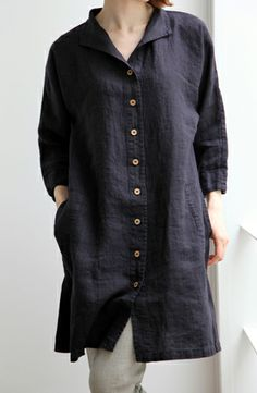 I love this collar and button up! :: Lino e Lina What To Wear Today, How To Wear, Casual Outfits, Fashion Outfits, Casual Clothes, Tunic Designs, Kurti Designs Party Wear, Comfy Casual, Korean Outfits