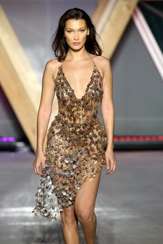 Bella Hadid sexy at the Cannes Film Festival in Cannes Bella Hadid walks the runway for Fashion For Relief fashion show during Tokyo Fashion, High Fashion, Fashion Show, Fashion Outfits, Fashion Fashion, Fashion Trends, Bella Hadid Outfits, Bella Hadid Style, Bella Hadid Photoshoot