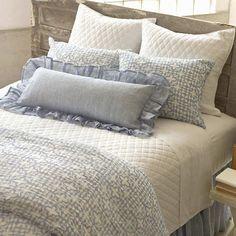This chambray woven, light-as-air, beautifully draped linen bed skirt is as gracious as its Southern inspiration. Lined in cotton.