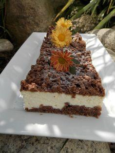Tvarohový koláč ze zmrzlého těsta. U nás z plechu zmizí za velmi krátký čas, je velmi oblíbený. Autor: Romča Tiramisu, Ethnic Recipes, Food, Author, Meal, Essen, Hoods, Tiramisu Cake, Meals