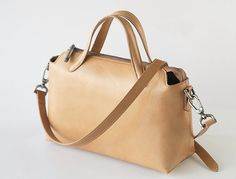 The Leather Crossbody. A Functional and fine by TheArtistsSack