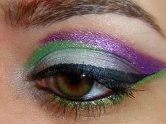 Buzz Lightyear eyeshadow. Wow. This would be awesome for Halloween!