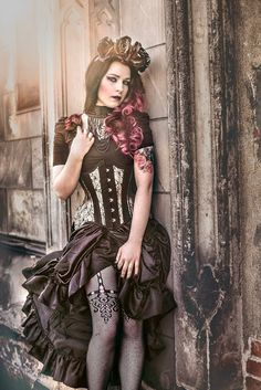 Dark Romance/Gothic Steampunk - For costume tutorials, clothing guide, fashion inspiration photo gallery, calendar of Steampunk events, & more, visit SteampunkFashionGuide.com