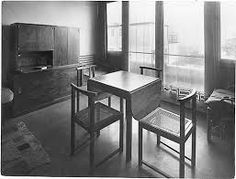 weissenhofsiedlung mies van der rohe stuttgart 1927 - Google zoeken Bauhaus Interior, Ludwig Mies Van Der Rohe, Sideboard, Corner Desk, Table, Thesis, Furniture, Home Decor, Google