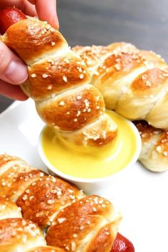 Simple & delicious these EASY PRETZEL HOT DOGS are a fun way to devour a summer barbecue must-have.  My kids went through a phase when they were all under the age of 8, where hot dogs were the most requested menu item. And I a completely guilty that I gave into their request every single time. …