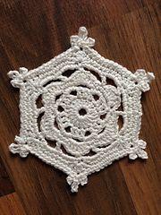 Ravelry: 'Flora' Snowflake pattern by Jenny Reid
