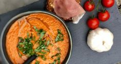 Oppskrifter – Berits blogg Gazpacho, Thai Red Curry, Food Porn, Lunch, Chicken, Meat, Dinner, Breakfast, Ethnic Recipes