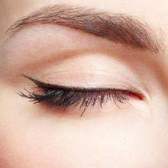 simple winged eyeliner