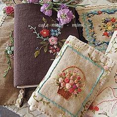 #Embroidery#stitch#프랑스자수#자수#일산프랑스자수#다이어리~#북커버~#소잉케이스~#파우치~ . .