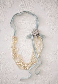 Fold beads in half, tie ribbon, add brooch. bead, ribbons, pearls, diy necklace, pearl necklaces, old jewelry, something blue, vintage necklaces, jewelri