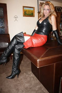 High Leather Boots, Leather Gloves, Leather Heels, Red Leather, Leather Bustier, Leather Skirt, Leder Outfits, Sexy Older Women, Leather Dresses