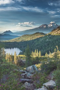 Post with 28 votes and 923 views. Tagged with , Awesome; Mount Shasta from Heart Lake Sunset Landscape, Landscape Photos, Mount Shasta California, Beautiful World, Beautiful Places, California Wallpaper, Nature Photography, Travel Photography, Nature Pictures