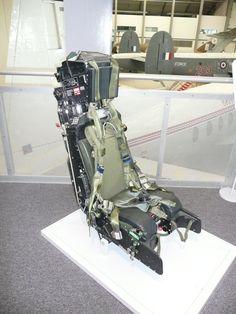 Martin-Baker_Ejection_Seat_Mk_9B.jpg (1536×2048)