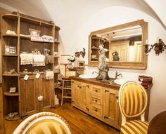 Mobile da bagno in stile provenzale realizzato in rovere antico