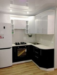 small kitchen designs on a budget Kitchen Room Design, Kitchen Cabinet Design, Home Decor Kitchen, Kitchen Interior, Interior Design Living Room, Kitchen Cabinets, Interior Modern, Kitchen Designs, Small Apartment Kitchen
