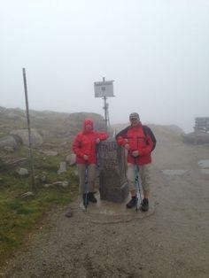 Pfitscherjoch auf 2.248m Wir fahren mit dem Hotelbus (max. 8 Personen) zum Schlegeisstausee (1.800m) und wandern zum Pfitscherjoch (2.264m). Das Pfitscherjochhaus liegt schon in Südtirol.  Gesamte Gehzeit: ca. 4 Stunden, davon 2 Stunden Aufstieg Rückkunft: ca. 16.00 Uhr - gutes Schuhwerk erforderlich!! Unkostenbeitrag: € 5,-- Anmeldung an der Rezeption im Hotel Schiestl bis Sonntag 20.00 Uhr!