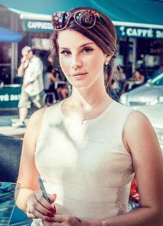 Lana Del Rey in New York // 04.09