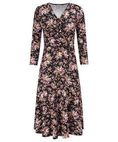 Shop unique dresses at joe Browns - our range of new styles has something to please everyones taste. Update your autumn wardrobe with vintage styles, maxi dresses & animal designs! Unique Dresses, Fall Dresses, Dresses For Work, Fall Wardrobe, Contemporary Fashion, Fascinator, Vintage Fashion, Beautiful Women, Autumn