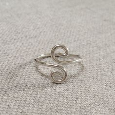 Sterling+Silver+Adjustable+Spiral+Toe+Ring+by+MmeMagpie+on+Etsy,+$9.00
