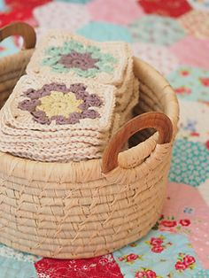 The Florear Banket is an abundance of flowers to lay over your baby to keep her warm.