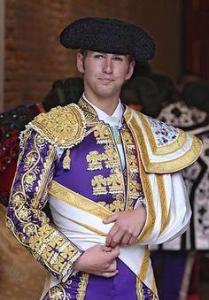 """Héctor Octavio García González """"El Payo"""" (nacido en Queretaro, Queretaro, México, 11 de mayo de 1989) es un torero mexicano."""