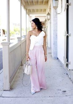 Cameo No Advice Bustier, How to wear palazzo pants Street Style 2017 Summer, Street Style Edgy, Autumn Street Style, Summer Fashion For Teens, Summer Fashion Outfits, Fashion Pants, New Orleans Fashion, Star Fashion, Latest Fashion