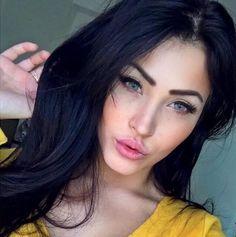 La moza del día es la versión latina de Megan Fox, Claudia…