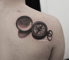 Noa Yannì beautiful compass tattoo